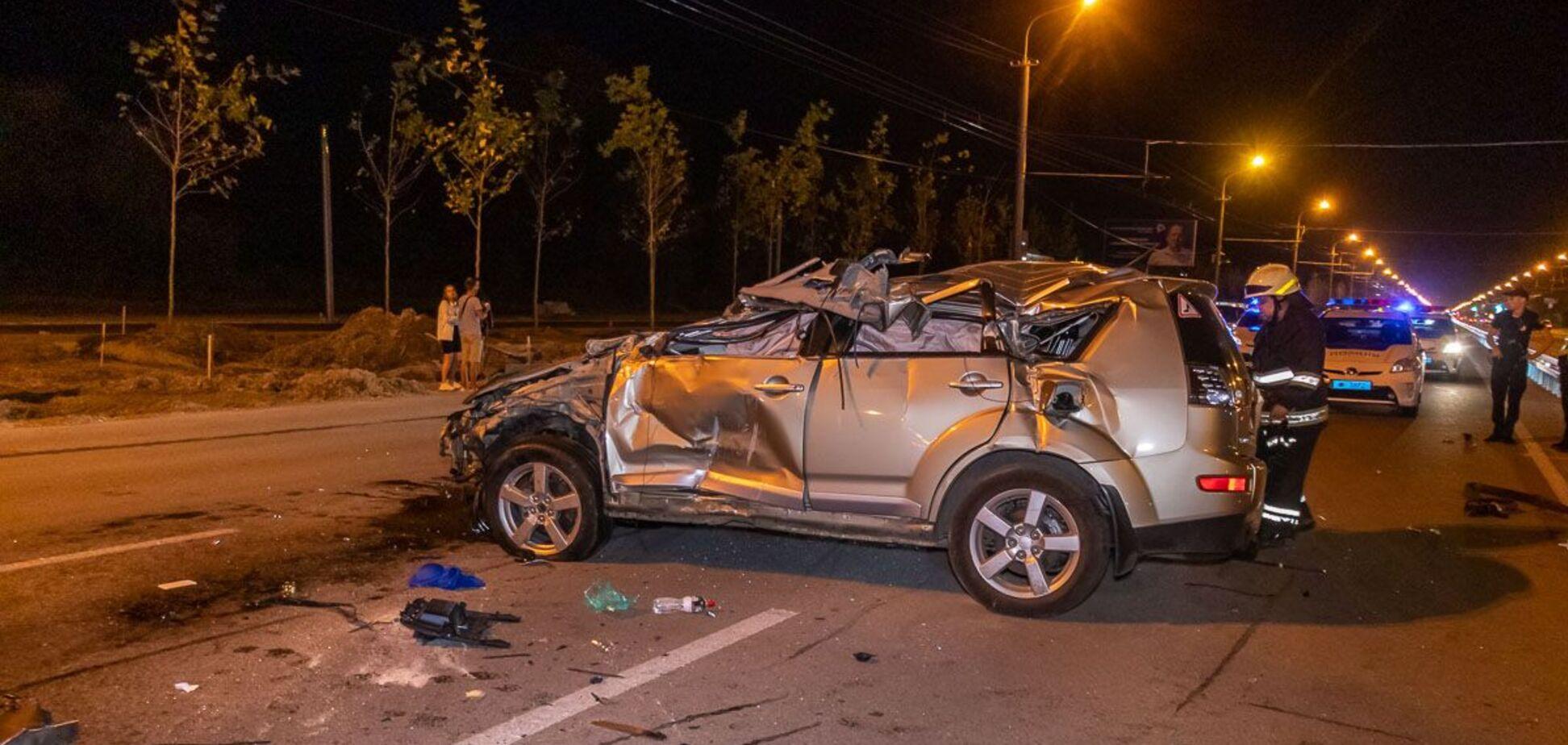 У Дніпрі в результаті ДТП з переворотом загинула жінка. Фото і відео