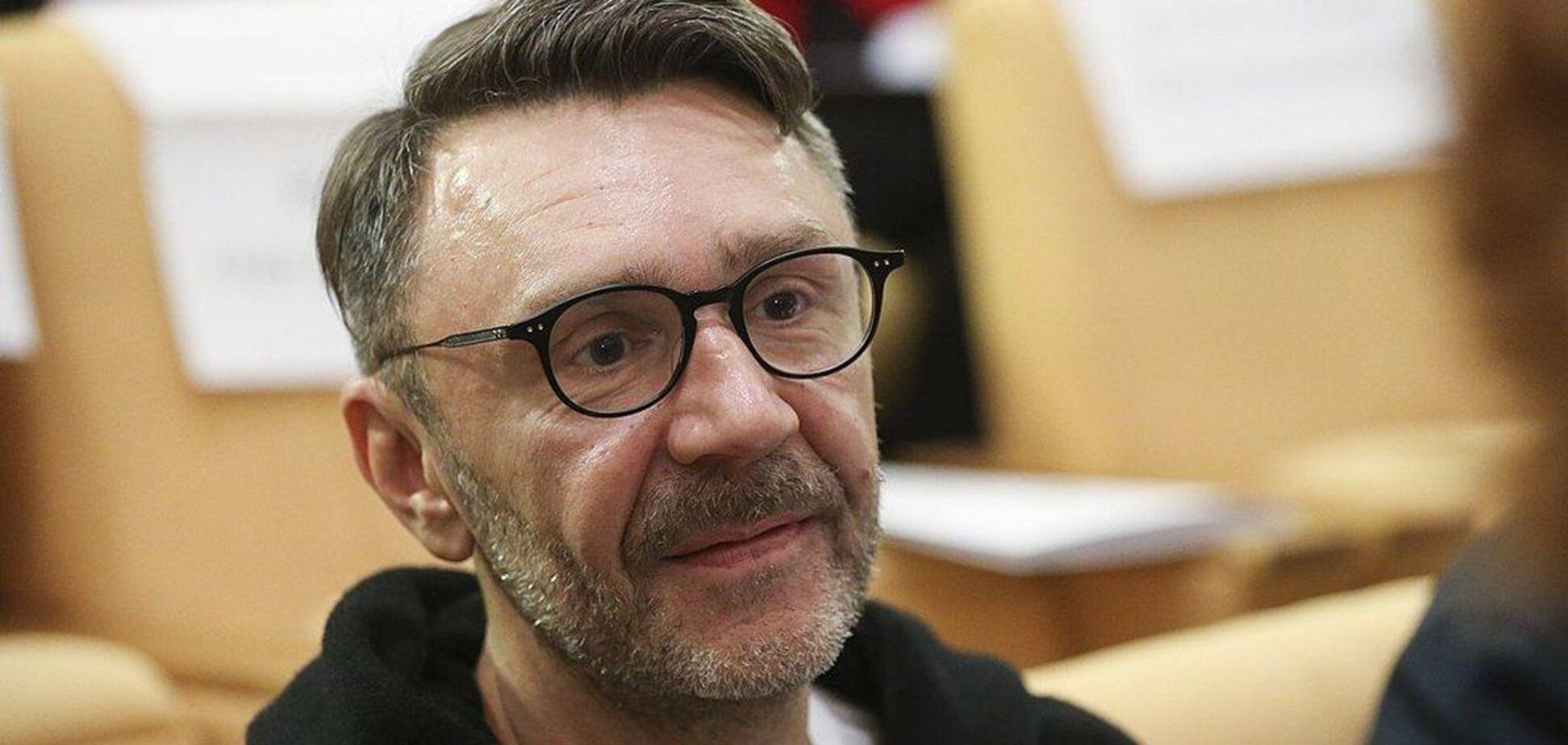 Сергей Шнуров посвятил стихотворение Алексею Навальному
