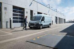 Peugeot представила новый коммерческий электромобиль