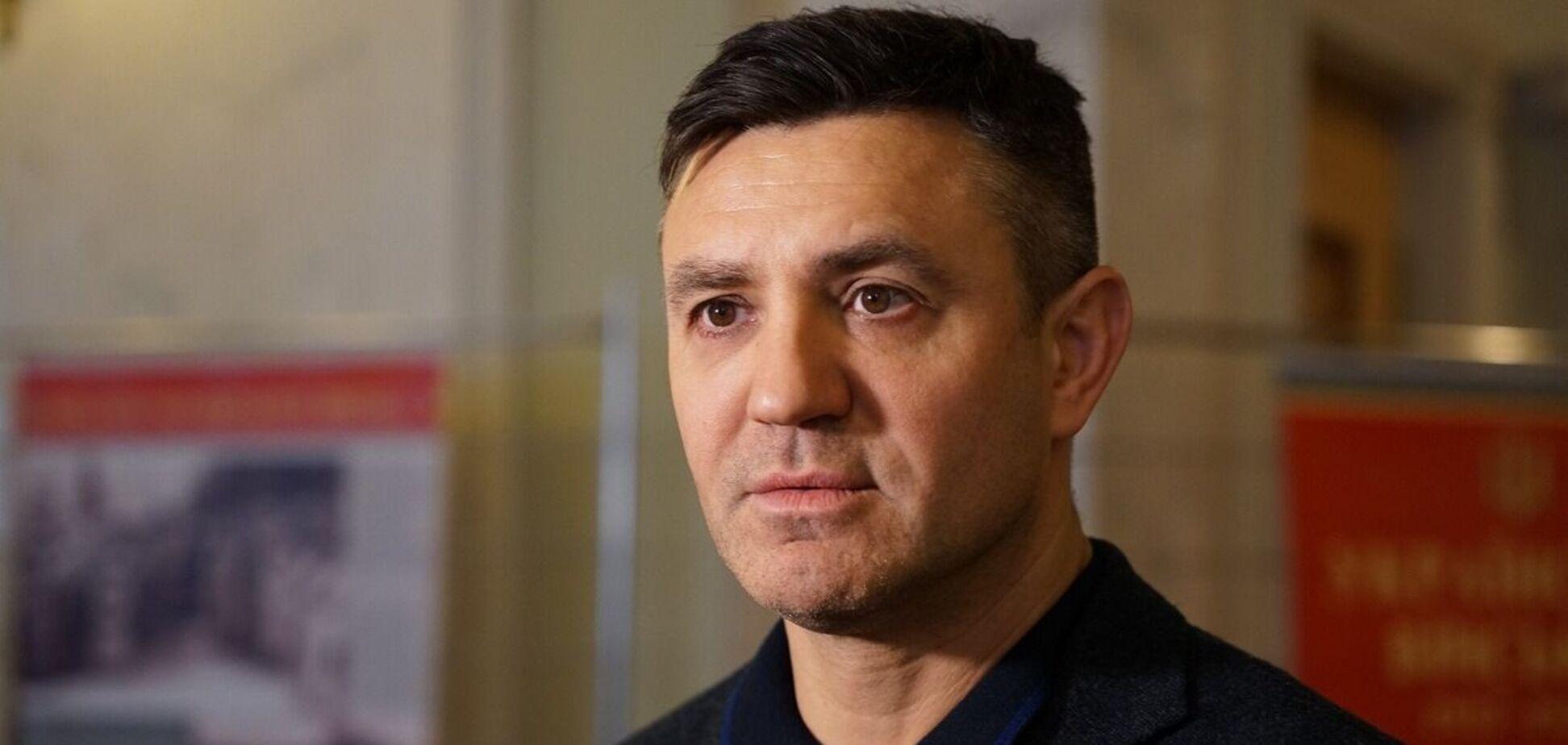 Николай Тищенко упрекнул Евгения Черняка в торговле алкоголем