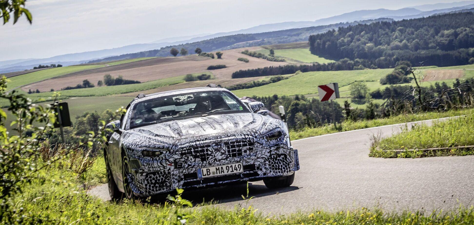 Mercedes-AMG вывел на тесты новое поколение родстера SL