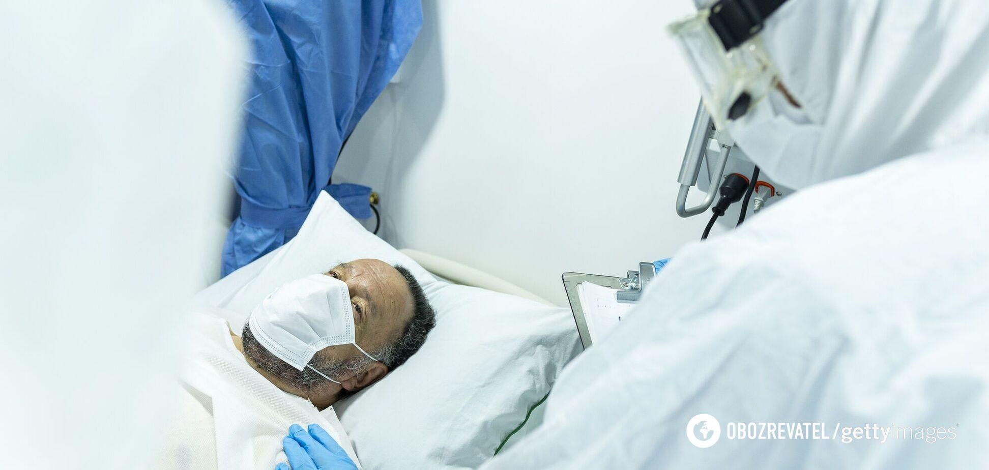 Чоловіка сім місяців лікували від коронавірусу