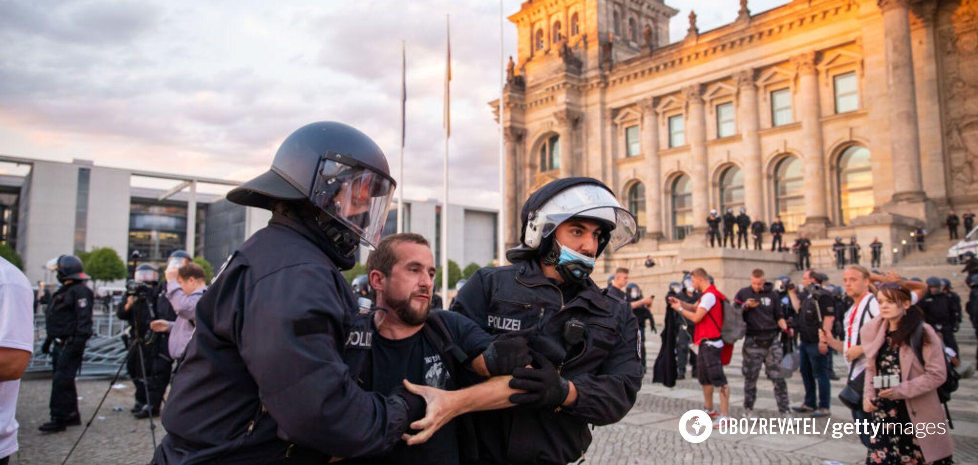 Берлин охватили протесты против COVID-ограничений: более 300 задержанных. Фото и видео