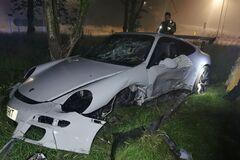 Спортивный Porshe 911 разбили в ДТП. Фото: walesonline.co.uk