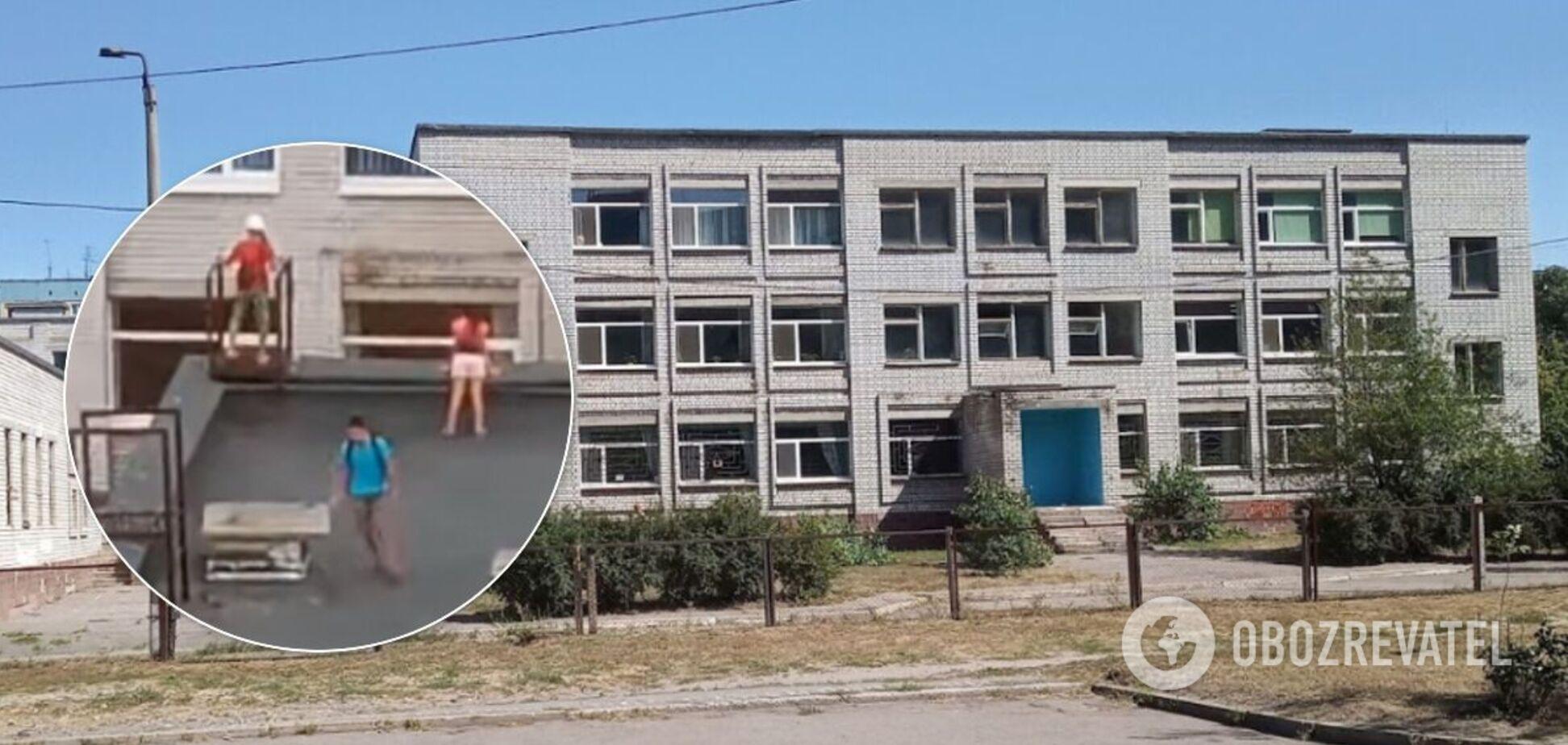 У Дніпрі діти влаштували небезпечні розваги на даху школи