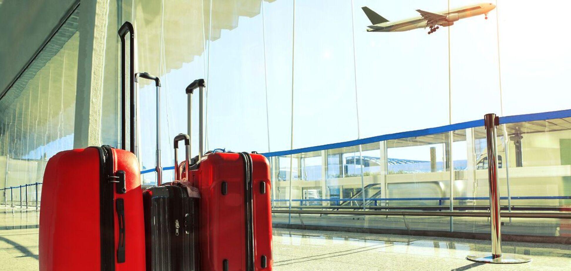 Стало известно, почему грузчики в аэропорту 'швыряют' багаж путешественников