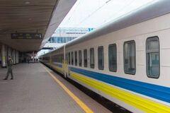 Укрзалізниця запретила 11 поездам останавливаться в Тернополе и Луцке