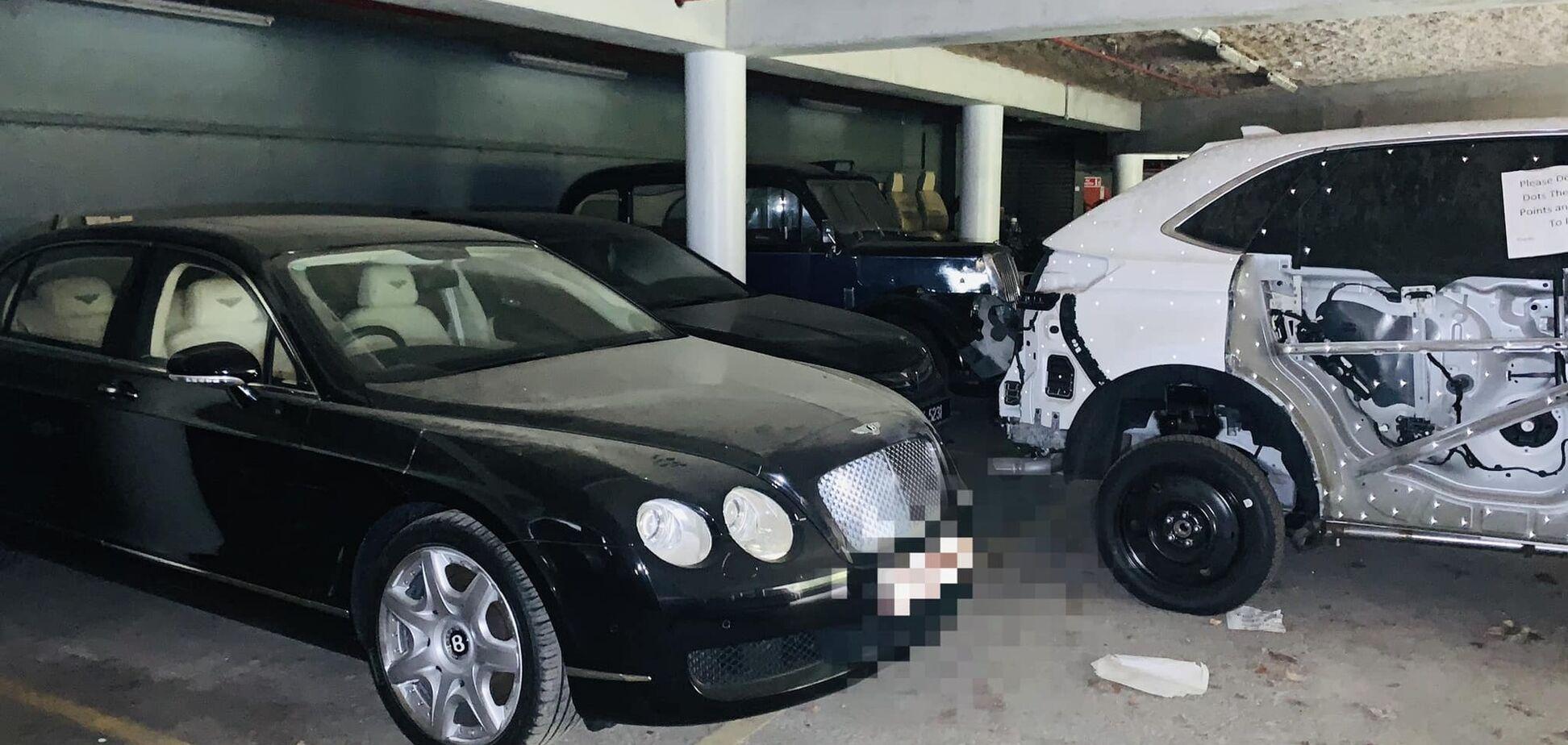 На заброшенном заводе нашли Bentley и еще несколько авто