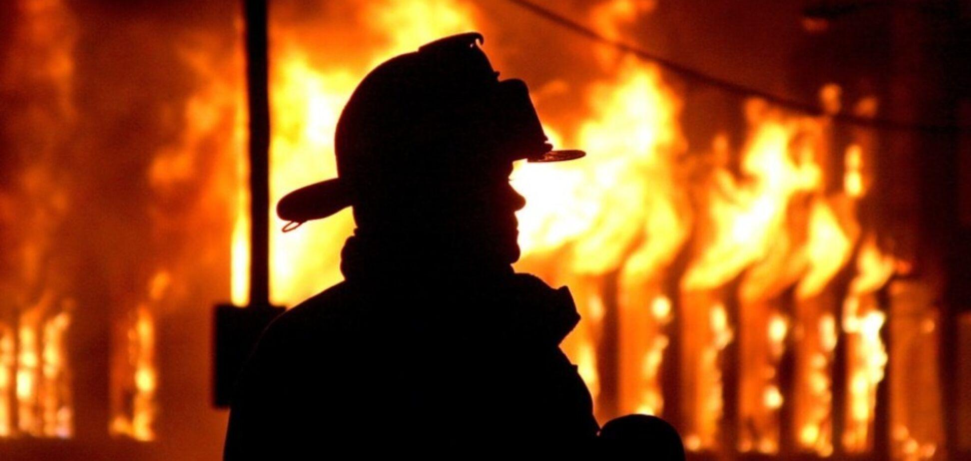 В Днепре огонь охватил квартиру в многоэтажном доме: спасатели эвакуировали людей
