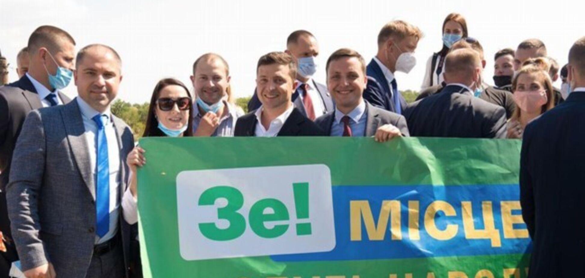 Зеленский взял под личный контроль ситуацию в Мелитополе – СМИ