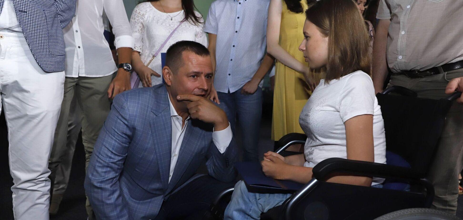 Филатов поздравил выпускников-медалистов Днепра