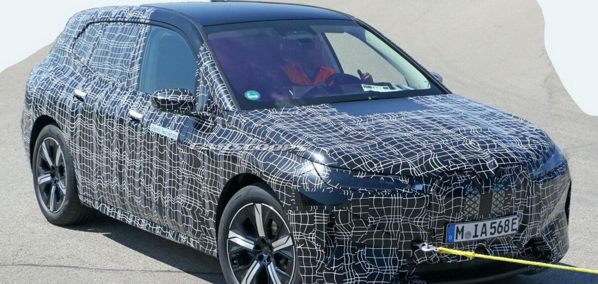 Електричний кросовер BMW iNext помітили на тестах