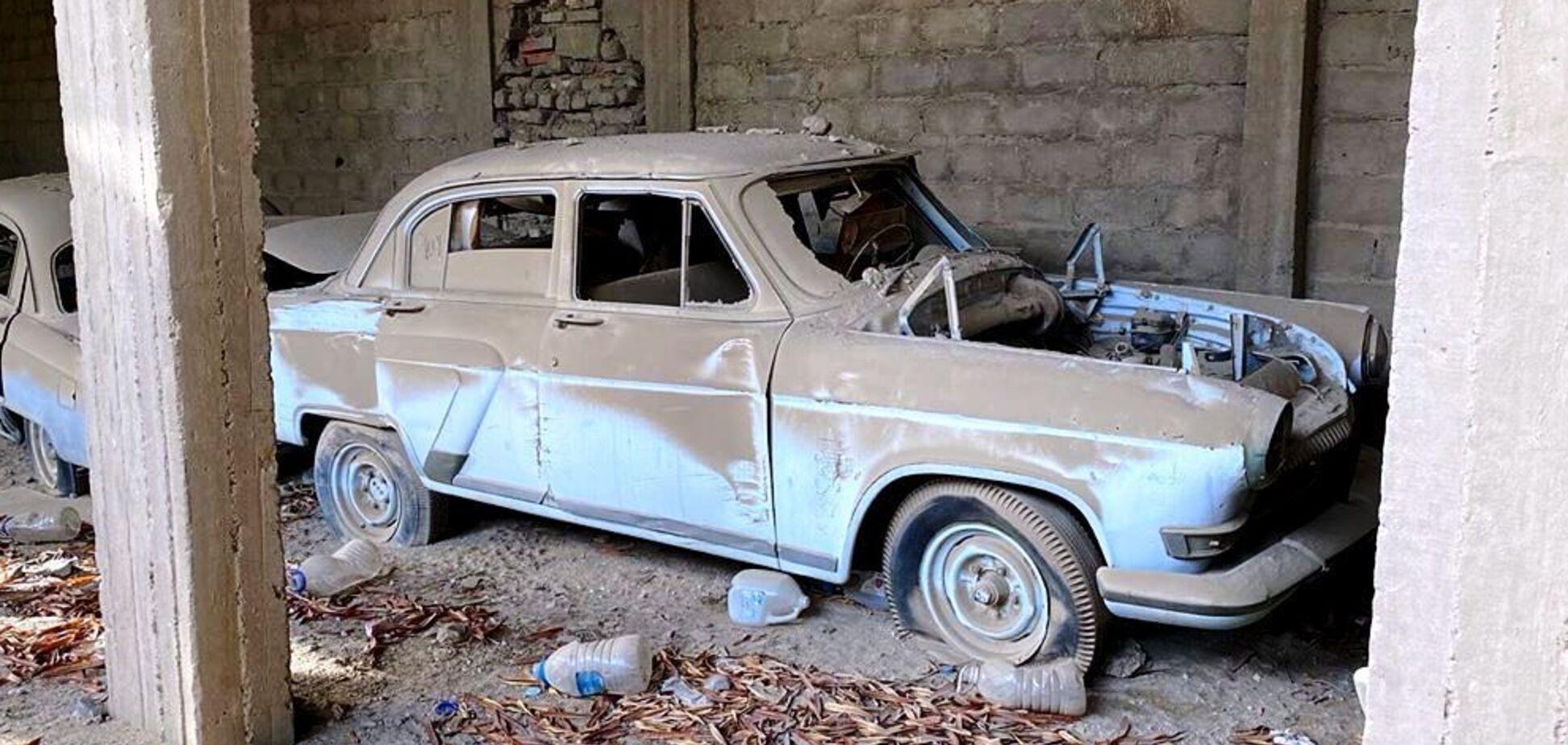 Старые ГАЗ-21 почему-то оказались в Саудовской Аравии. Фото: carakoom.com