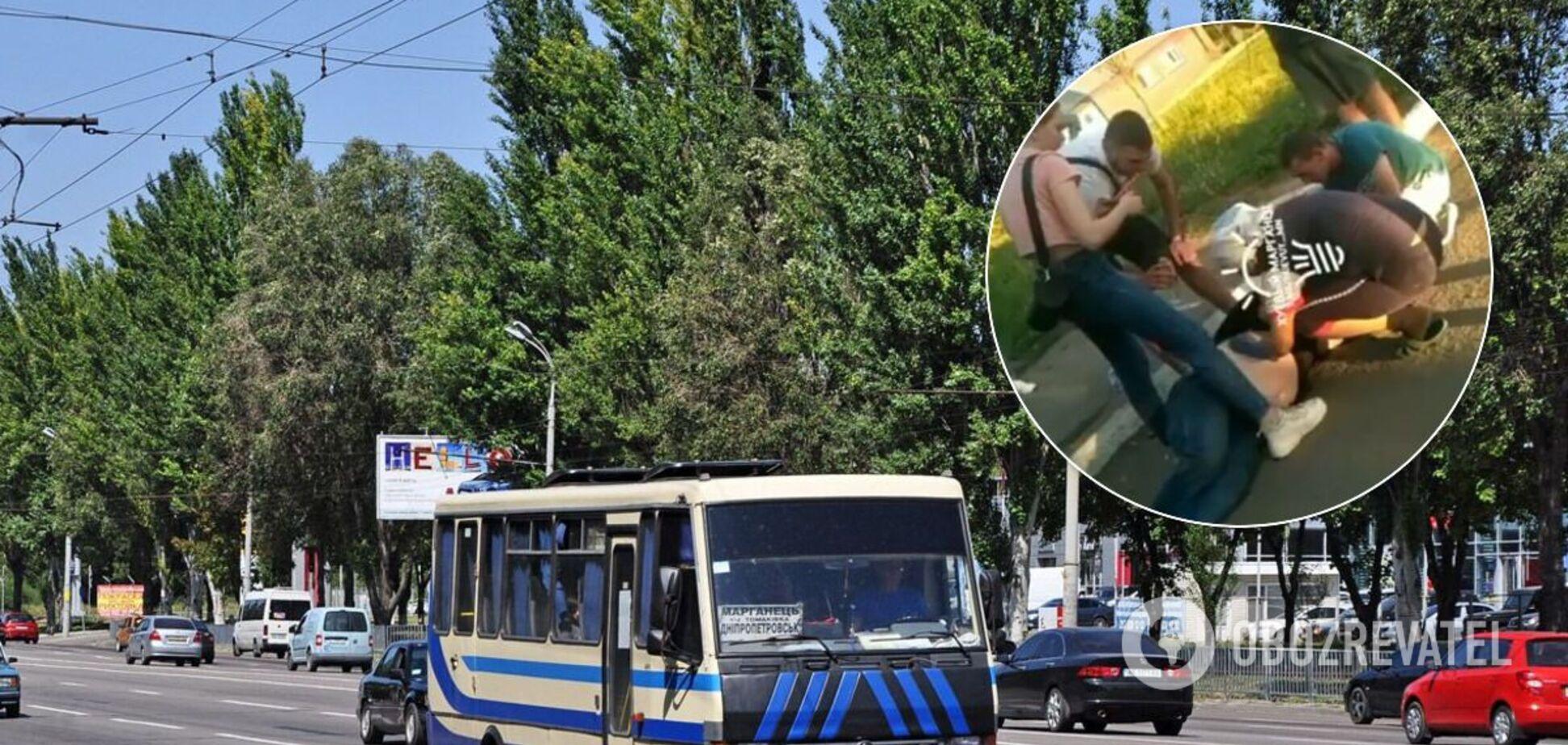 На Дніпропетровщині водієві автобуса стало погано під час рейсу: чоловіка врятували пасажири