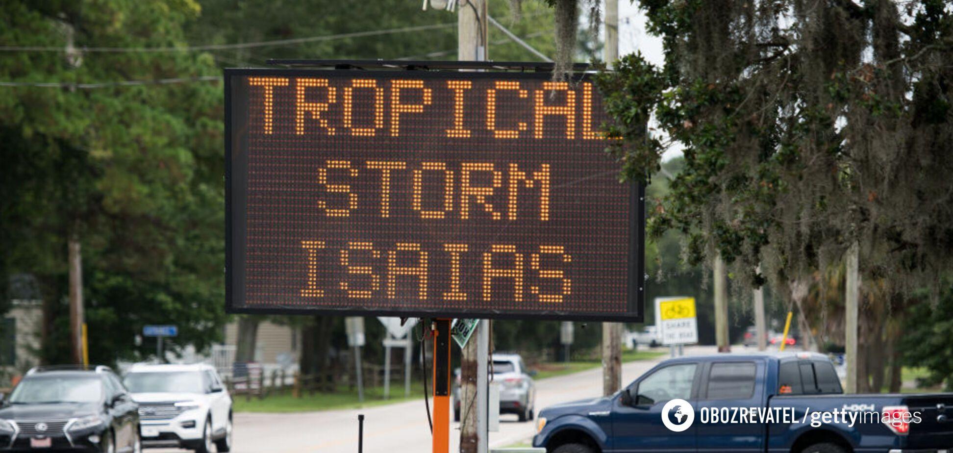 На США обрушился ураган ''Исайяс'': объявлено чрезвычайное положение. Фото и видео