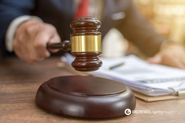 Суд взял под стражу мужчину, зарезавшего собственного сына на Черниговщине