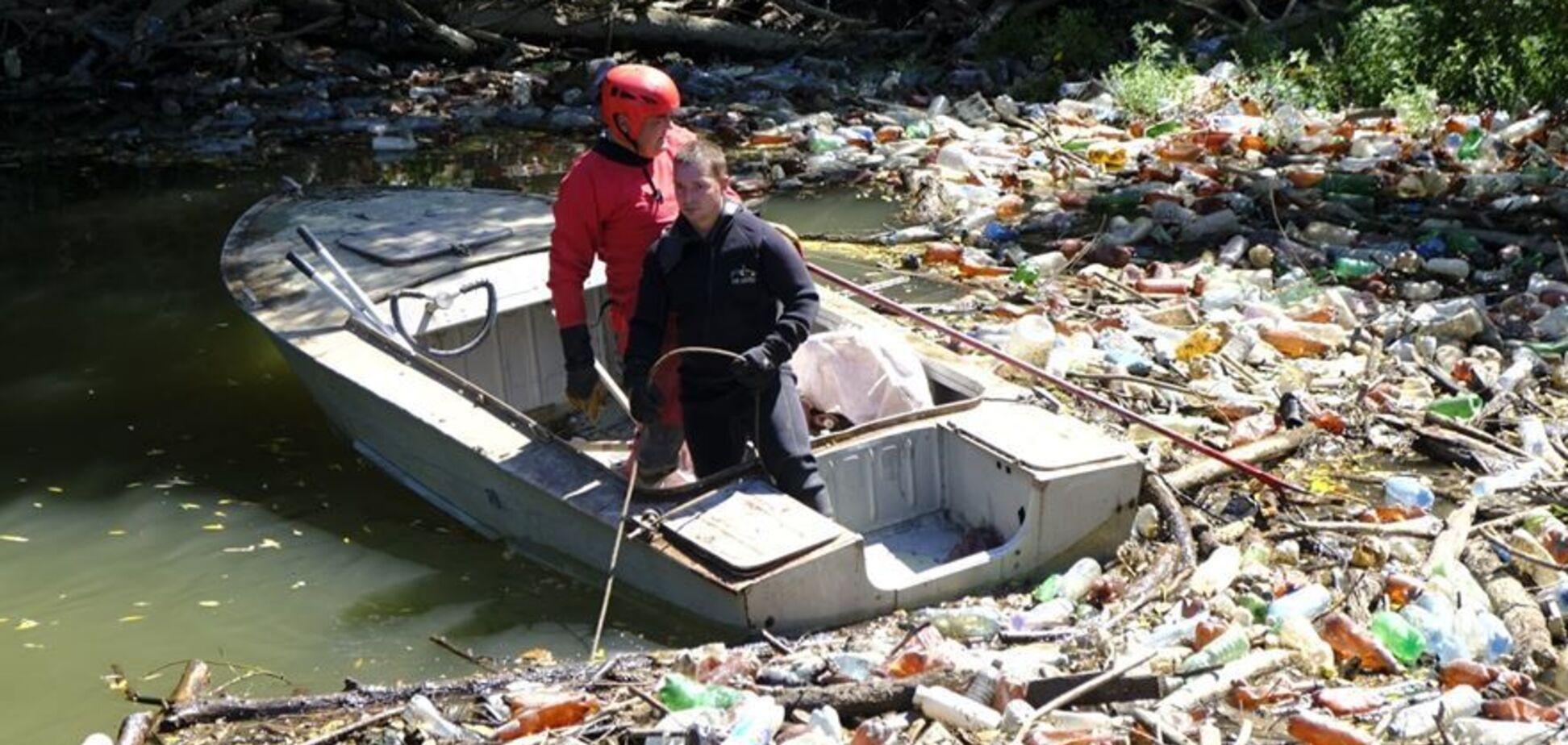 Закарпатские реки превратились в реки мусора. Источник: Facebook Гали Плачинды