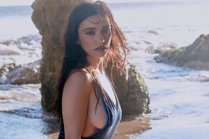 Ольга Серябкина показала пышные формы в купальнике. Фото