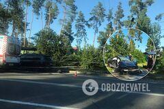 В Киеве BMW X7 протаранил легковушку