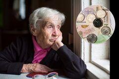 Украинцам пенсии пересчитают три раза: кто и сколько получит