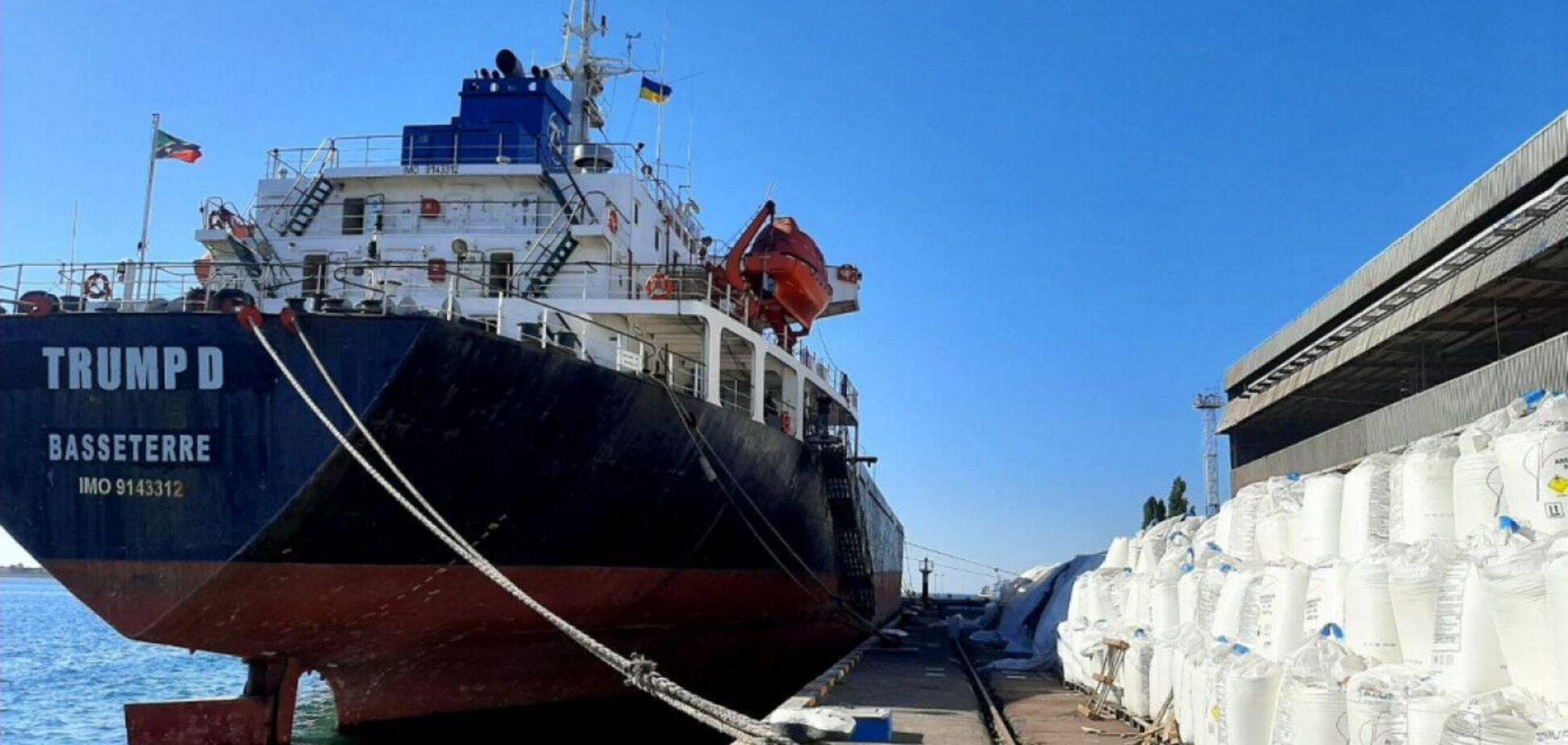 У порту 'Південний' зберігають 10 тисяч тонн селітри: знайдена схожість з Бейрутом