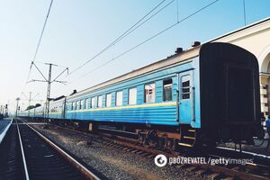 Под Киевом девочка-подросток умерла под колесами поезда