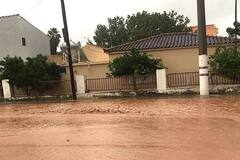 На остров Греции рухнул шторм