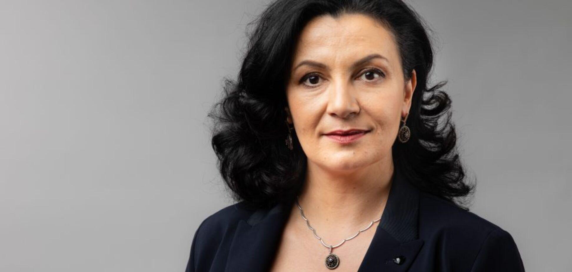 'ЄС' вимагає повернути кошти освітянам і захистити педагогів від епідемії