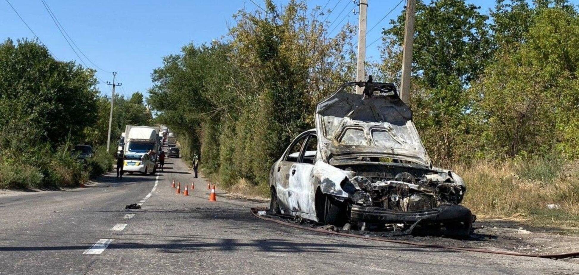 У Кривому Розі авто влетіло у маршрутку і загорілося: є постраждалі. Фото