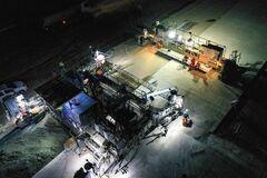 Дорогу Кропивницкий – Николаев ремонтируют даже ночью. Фотофакт