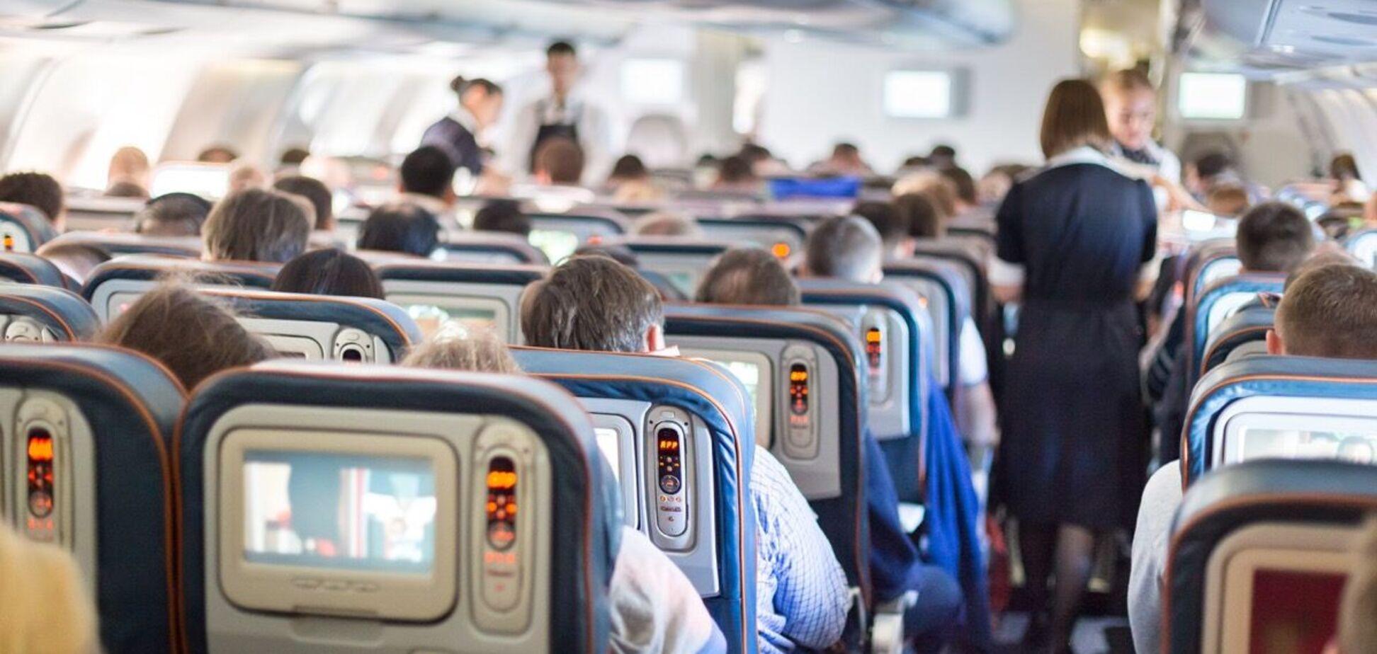 Названы самые грязные места в самолете. Источник: Best Life