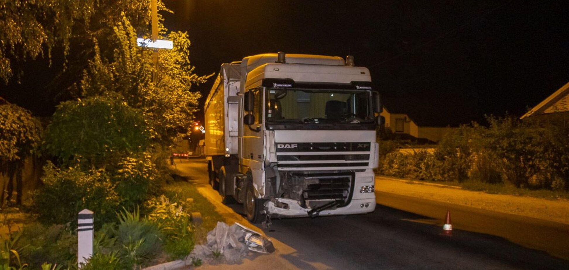 У Дніпрі в результаті ДТП з вантажівкою постраждав чоловік. Фото