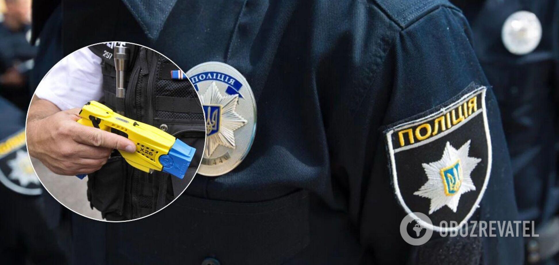 Украинская полиция начала испытания электрошокеров для борьбы с преступниками. Видео