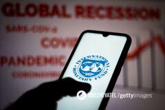 МВФ приостановил переговоры с Украиной