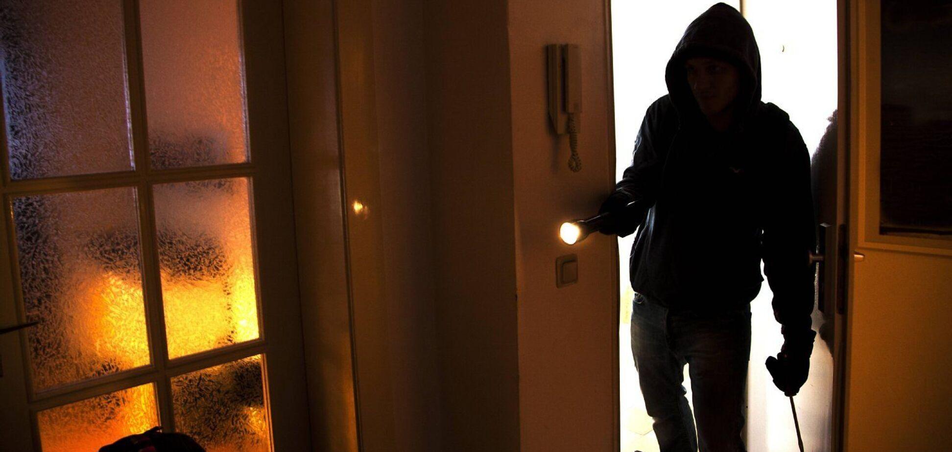 В Днепре задержали банду вооруженных домушников. Фото и подробности