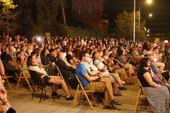 В Днепре на День города устроили зрелищный концерт классической музыки под открытым небом