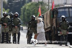В центр Минска перебросили автозаки