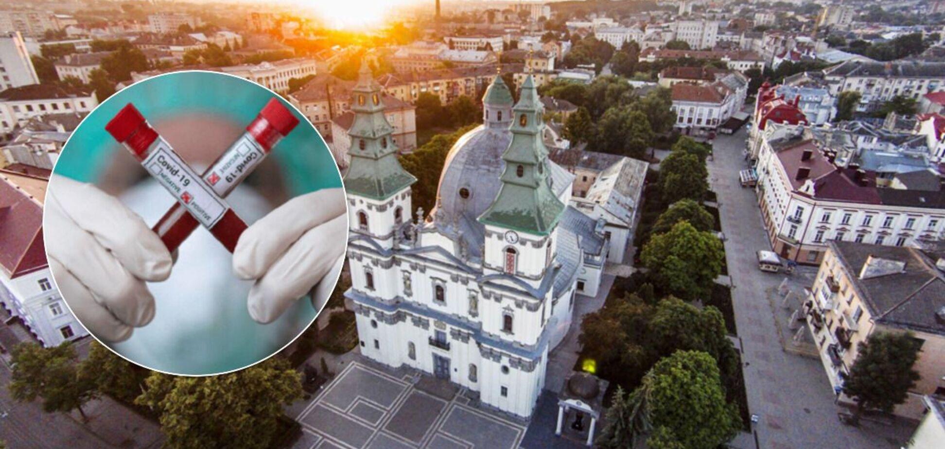 Очереди в магазинах, переполненные больницы и танцы до утра: как в Тернополе наплевали на 'красную зону'