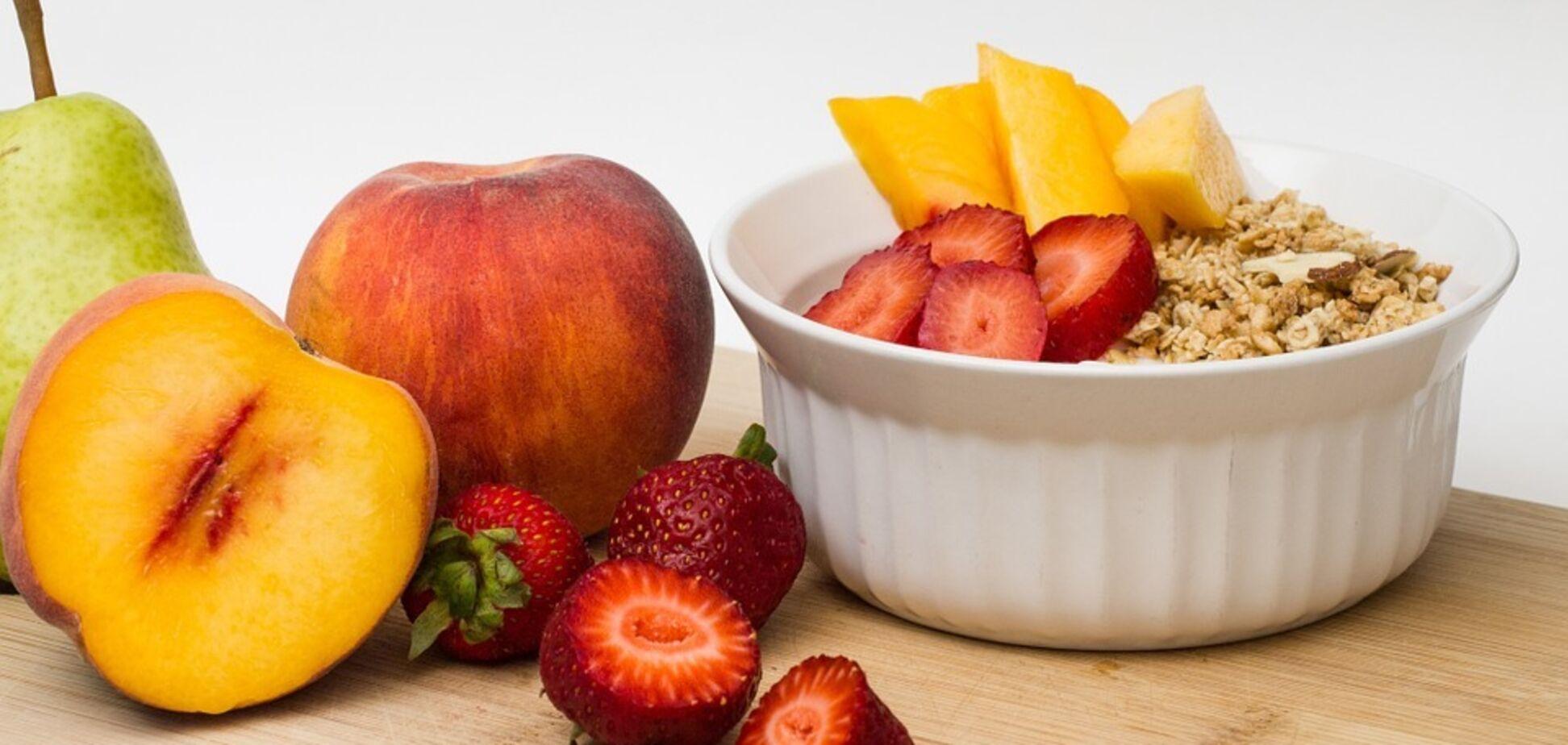 Персик виділяється серед інших фруктів