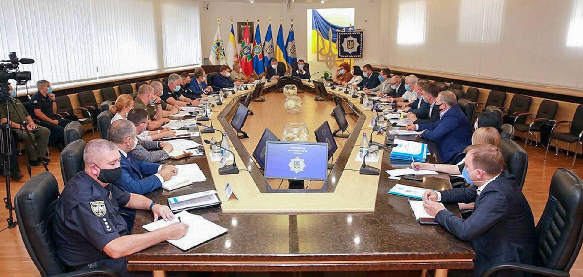 У МВС відбулася координаційна нарада щодо забезпечення прозорості виборчого процесу. Фото: пресслужба МВС