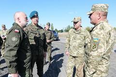 Командующий ОС ВСУ Наев ознакомил партнеров из Польши с ситуацией на востоке