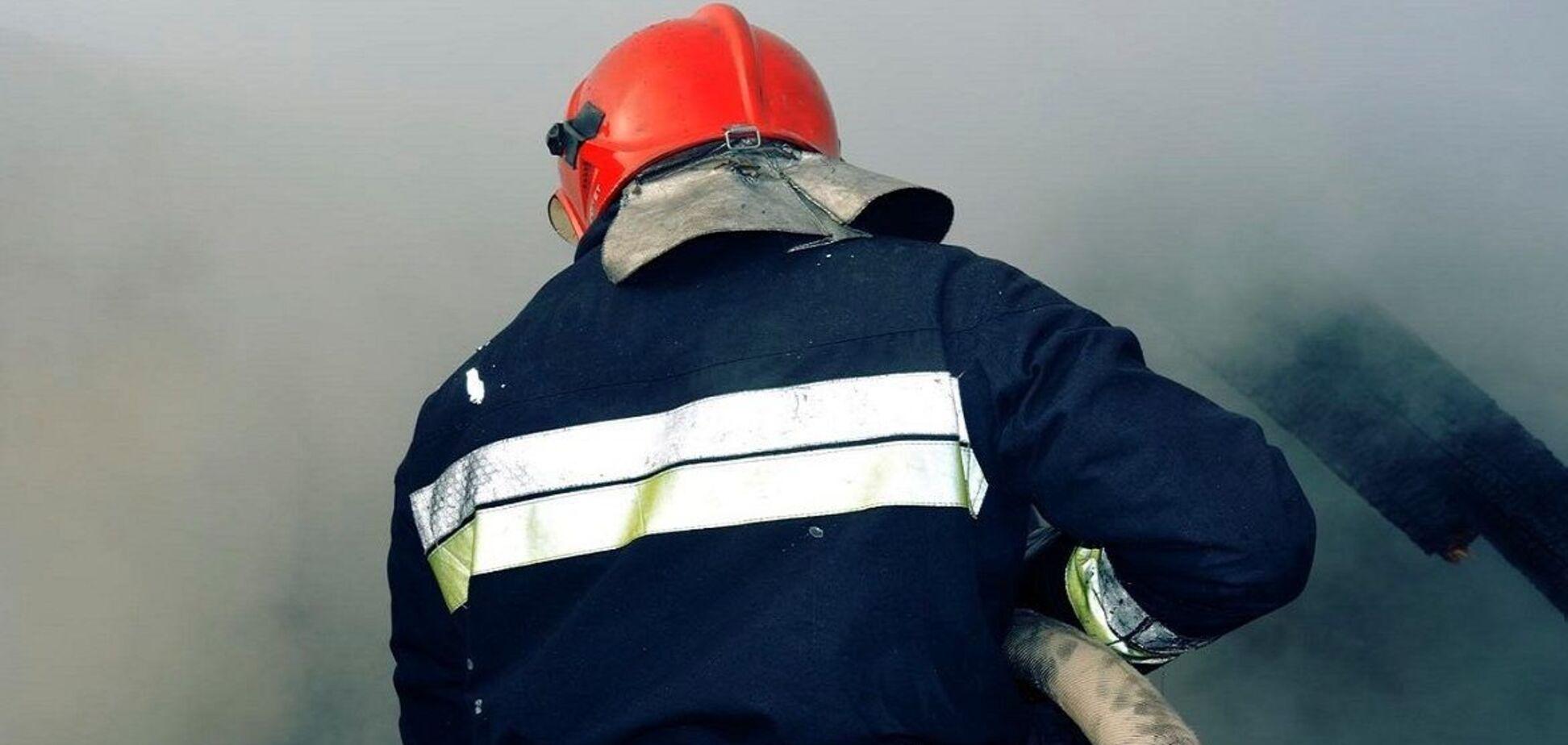 У Дніпрі з пожежі в приватному будинку врятували чоловіка. Фото