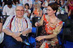 75-летний Петросян впервые показал сына от Брухуновой
