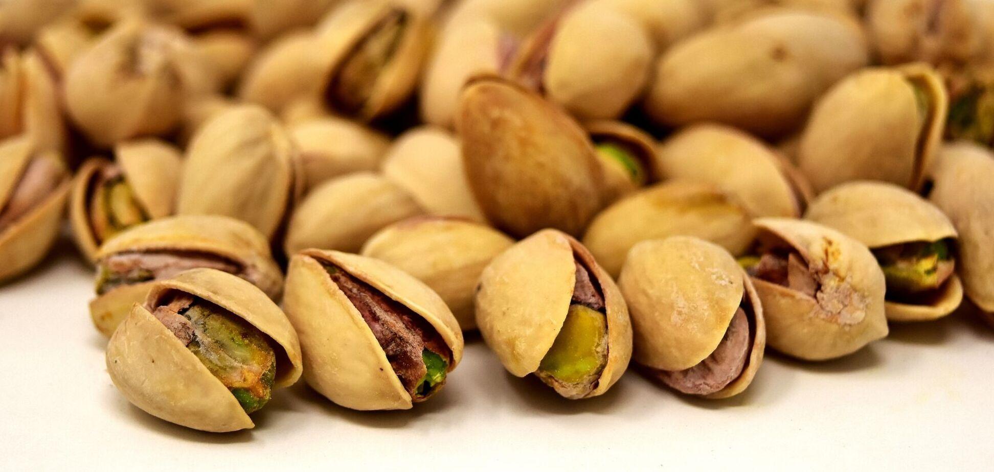 Участники эксперимента ели более 40 граммов фисташек без добавок каждый день