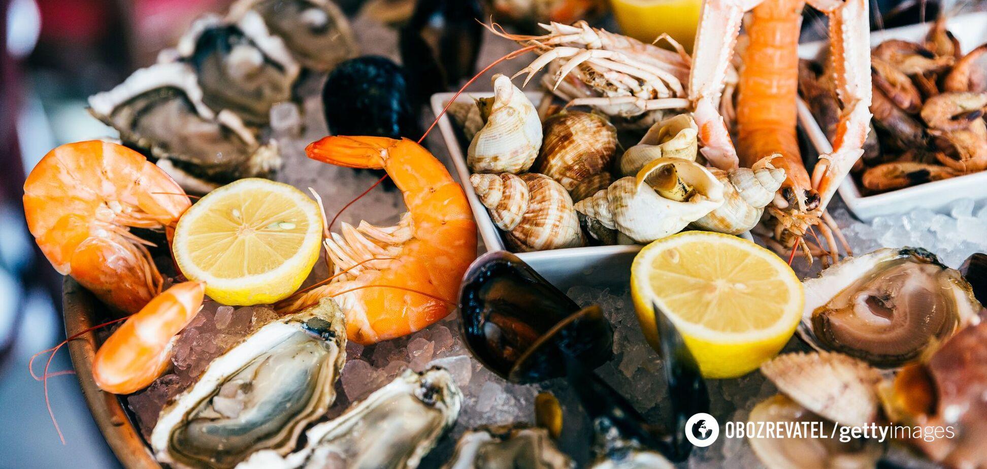Дієтологиня розповіла про шкоду морепродуктів для хворих на коронавірус