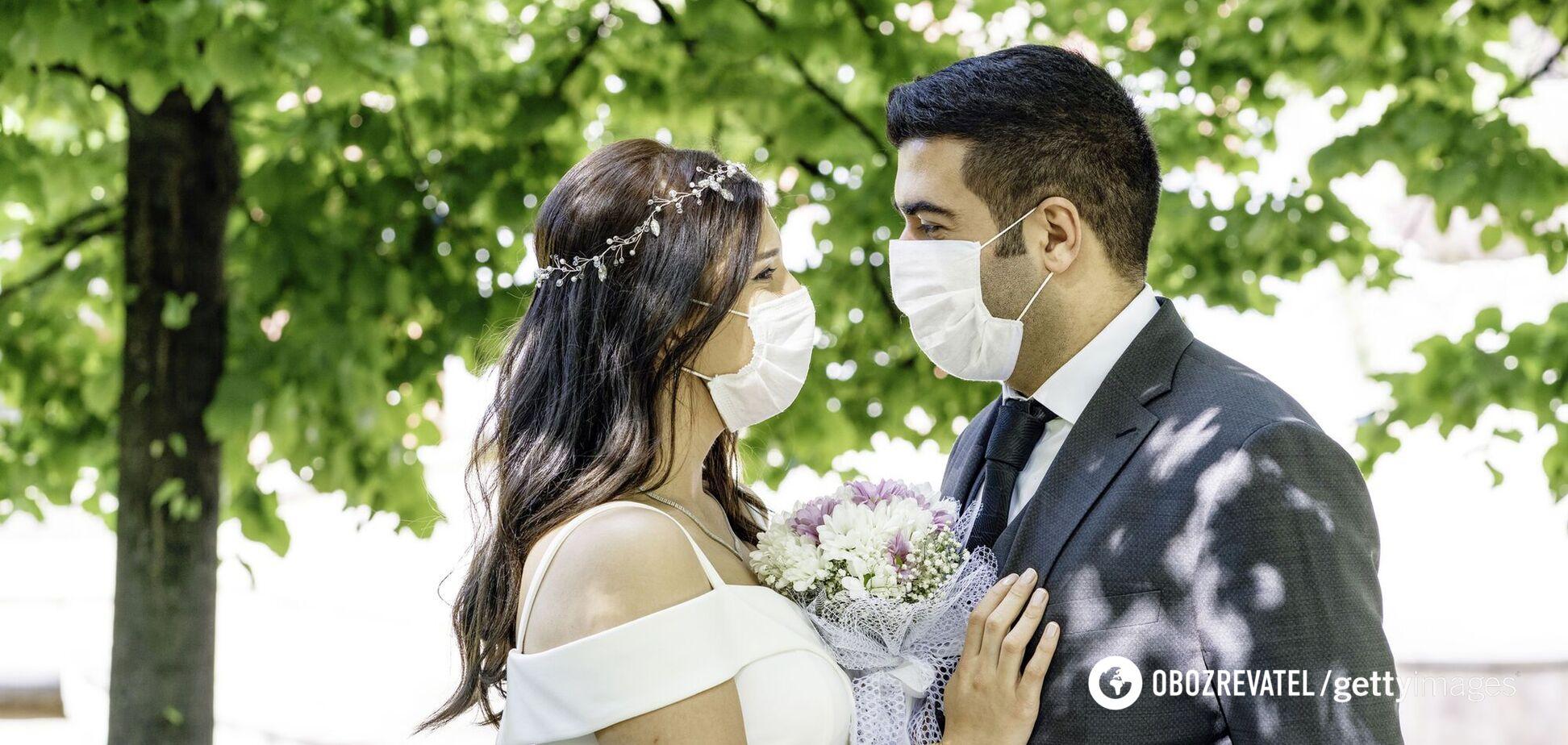 В США после свадьбы семь человек умерли от коронавируса