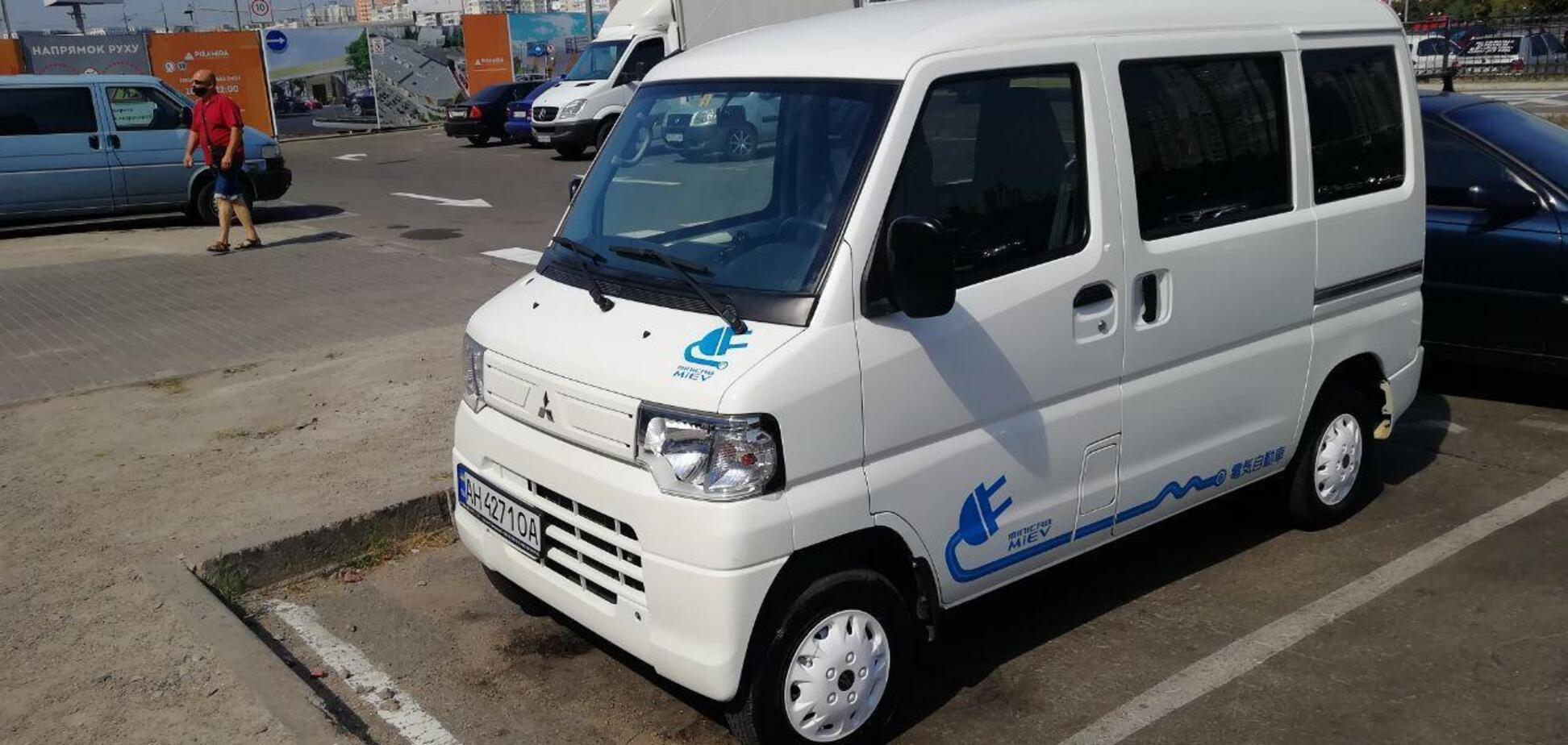 В Украине заметили электрический кей-кар Mitsubishi Minicab i-MiEV. Источник: Фото: topgir.com.ua