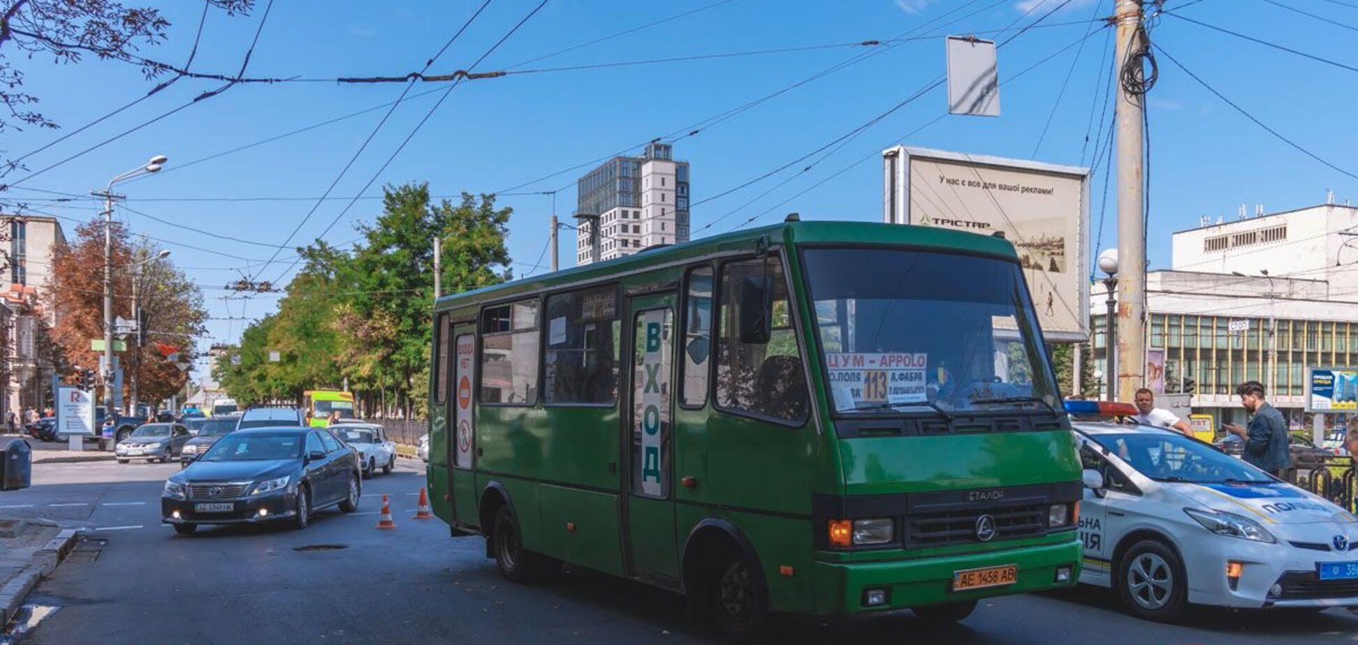 В центре Днепра автобус насмерть переехал женщину. Фото и видео 18+