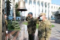 Польский генерал Томаш Пиотровски почтил память погибших Героев ВСУ