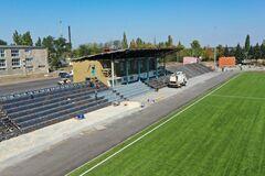 В Славянске и Селидово восстанавливают стадионы, давно пришедшие в негодность
